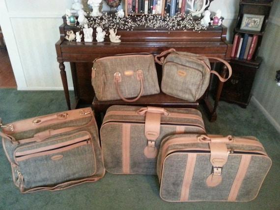 Vintage Fifth Avenue Tweed Five Piece Luggage Set Garmet