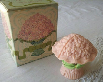 Avon Hostess Bouquet Guest Soaps