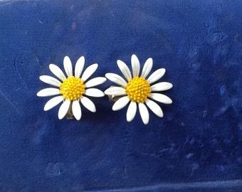 Flower power clip on earrings