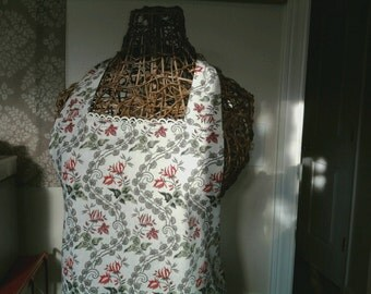 Reversible Women's Apron in Rose Print & Vintage Lace