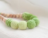 Ombre jewerly - Nursing necklace - teething necklace - summer  jewelry -  breastfeeding- crochet nursing necklace - green