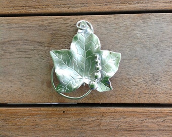 Vintage solid sterling silver leaf brooch