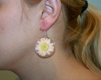 Small Peach Daisy Earrings