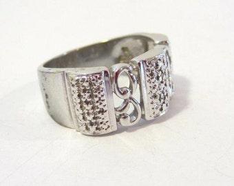 Fantastic vintage sterling silver Band ring size 9
