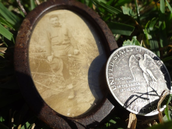World War One Soldier Photograph In Original Case WW1 WWI Authentic & Unique Military Antique 1900s Piece of History