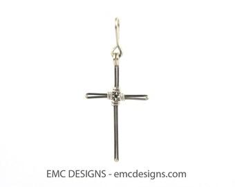 Cross Pendant in Sterling Silver