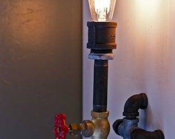 "Steampink / Indistrial style wall lamp, ""Wallflower"""