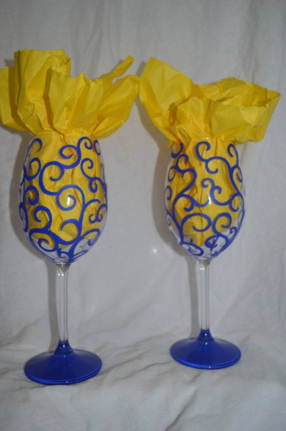 hand painted swirl design wine glasses set of 2
