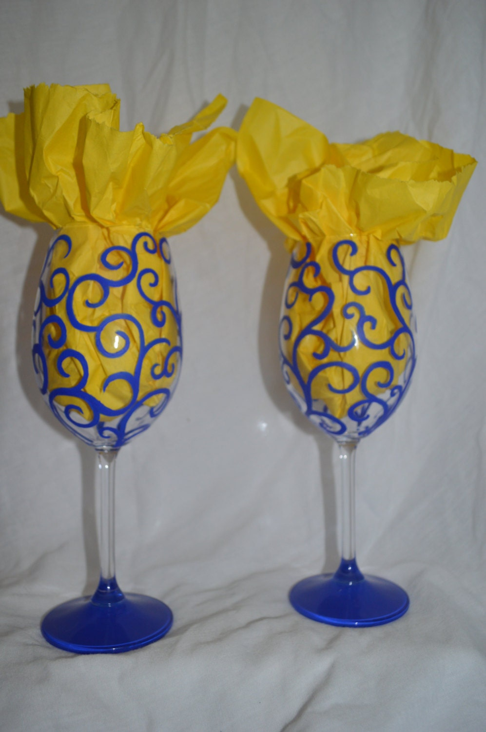 Hand painted swirl design wine glasses set of 2 for Type of paint to use on wine glasses
