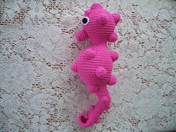 Crochet Amigurumi Seahorse Free Pattern : Amigurumi Crochet Pattern Pygmy Seahorse by PawPawsStudio
