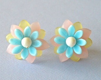 Cotton Candy Lucite Floral  Stud Earrings, Spring Pastel, Retro 60's Studs, Retro Kitsch, Stacked Flower Earrings, Playful Earrings