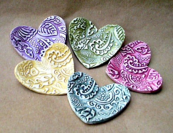 FIVE  Ceramic Heart ring bowls itty bittys