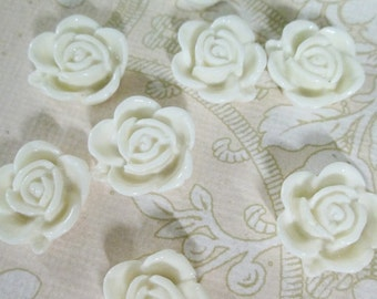10 15mm white rose cabochons, cute round flower cabs
