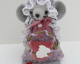 Easter Felt Mouse/ Easter Ornament/ Felt Mice Collectible Items/ Felted Mouse/ Spring Decor/ Country Home Decor/ Gift for Mom