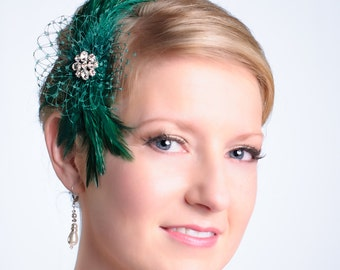 Feather Headpiece Emerald Green Feather Wedding Fascinator  Bridesmaid Evening Wear Ready to Ship in Emerald Green