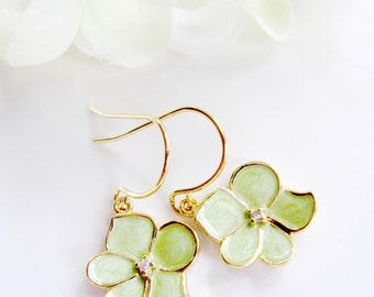 Light Green Flower Earrings,Green Orchid Petal, Green Bridesmaid Jewelry, Flower Jewelry, Gift for Her, Wedding Jewelry