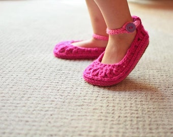 Crochet Pattern - Molly Summer Slippers Child and Adult Sizes