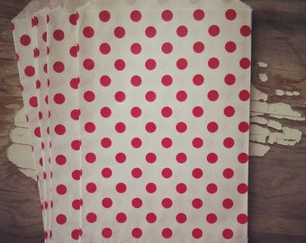 10 red polka dot party gift bags, 6x9