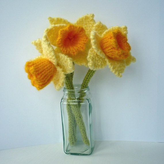 Knitting Pattern DAFFODIL flower Instant download PDF