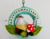 Here Comes the Sun Small Bird Wreath Decoration