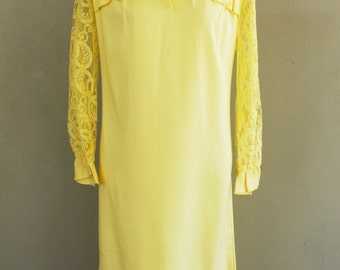 1960s Semi Formal Dress - Yellow Mod Sheath - Lace and Bows - 40 Bust - 1960's Vintage Dress