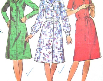 Uncut Vintage 1970s Simplicity 9703 coat dress with notched collar has set-in sleeves.