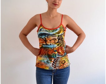 """SALE % Long top """"Alicia"""" with tribal design red"""