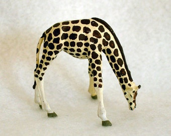 Preiser HO Scale Miniature Giraffe for Diorama, Cake Decoration, Crafts Project