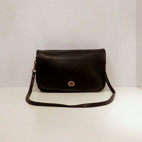 Coach Messenger Cross Body Bag // Early 1970s NYC Black Leather City
