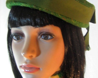 1940's Green Wool FELT School Girl HAT by Henry Pollack for LENHAR