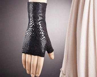 Snake Skin Inspired Short BLACK Fingerless Gloves
