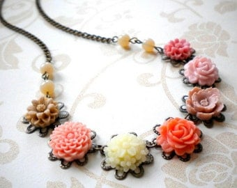 Flower Cabochon Necklace Flower Necklace Peach Necklace Floral Jewelry Pastel Necklace Maid Of Honor Gift Flower Statement Necklace