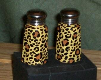 Leopard Print Painted Glass Salt and Pepper Shakers Hand-painted Leopard Salt & Pepper Shakers by Lisa Hayward Safari Print