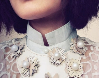 Flowering Leather Collar