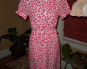 70s CIAO--Hot Pink and White Flower Dress--Silkiest Poly--Thin and Soft--Ruffles--Buttons