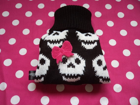 Size Medium Skull Hand knitted Dog sweater/coat/clothing/jumper designed and knitted by willieratbag order now for halloween