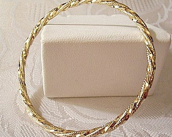 Pinpoint Twisted Rib Bracelet Bangle Gold Tone Vintage Large Round Open Wrist Ring