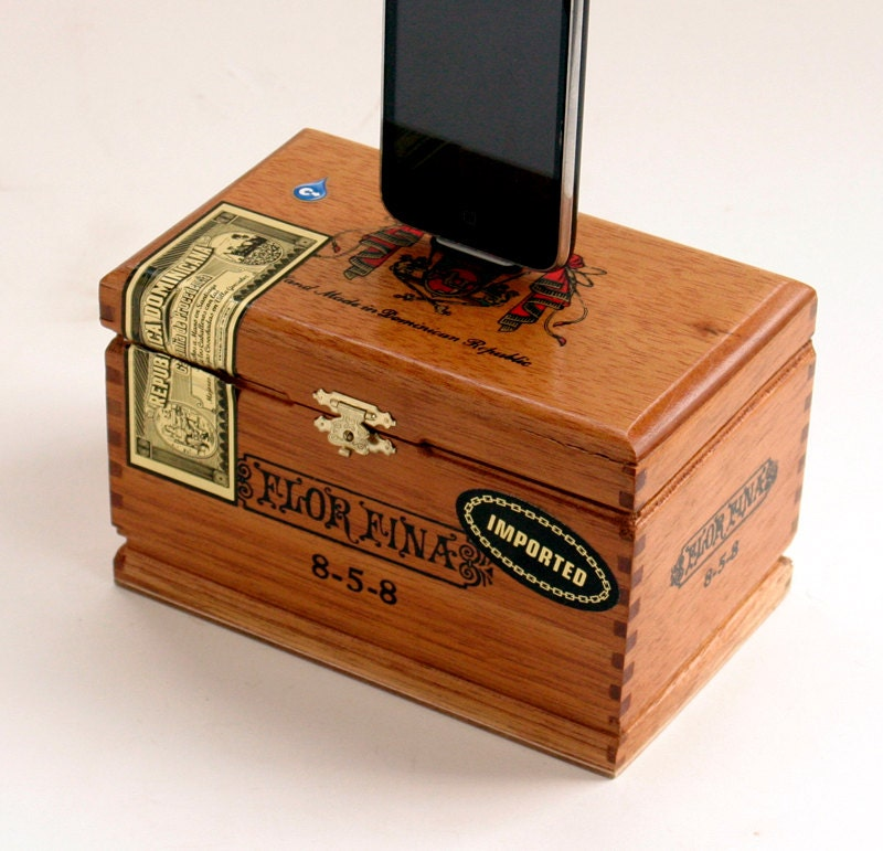 Ipod iphone docking station cigar box for Cigar boxes for crafts