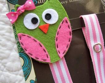 Girl Pacifier Clip, Owl Pacifier Clip, Green Owl Pacifier Clip, Pacifier Holder pcowl07