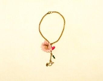 Flower charm bracelet, Copper chain, fabric flower, pink flower, oxidized bird charm, green, cristal, wood buttons, Handmade by Marumadrid