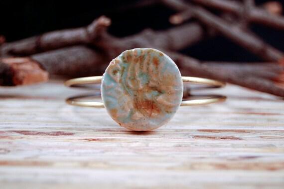 Bracelet Ceramic Cuff, antique brass, round turquoise crackle - Ruin