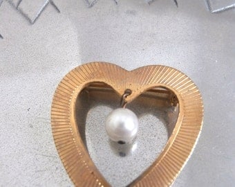 1940s Heart and Pearl Pin Brooch