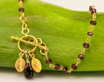Personalized Bracelet - Garnet Bracelet - January Birthstone Bracelet  - Wire wrapped Toggle Bracelet