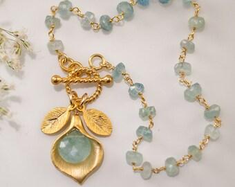 March Birthstone Bracelet - Aquamarine Bracelet - Personalized Bracelet - Wire wrapped Toggle Bracelet - Calla Lilly