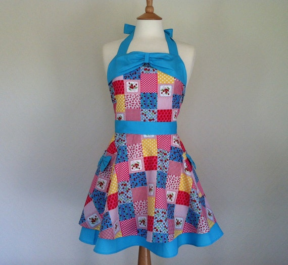 Retro apron with bow, half circle skirt, vintage patchwork style pattern. 1950s inspired, fully lined.