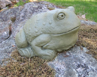 Toad Statue, Large Green Toad, Concrete Garden Toad, Garden Decor, Big Frog, Concrete Frog, Concrete Garden Statues,
