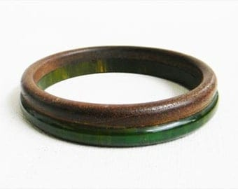 BAKELITE and WOOD Bangle Bracelet Green Authentic Antique RARE