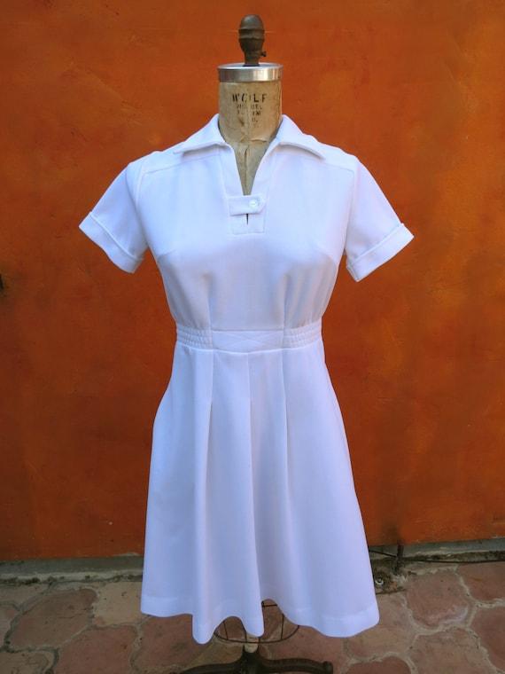 Vintage 1960s 1970s White Maid Housekeeping Waitress Nurse