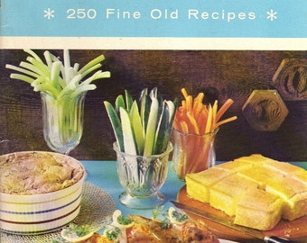 SOUTHERN COOKBOOK  -  VINTAGE 1976 - 250 Recipes with Black and White Photos of the South