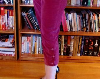 SPARKLE MOORE--Amazing 1950s Purple Velvet Capri Pants with Cuff Button Detailing--S